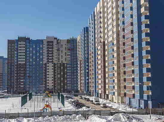 Жительницу Саранска на балконе закрыл двухлетний ребенок